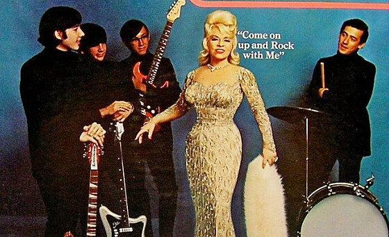 Lembra da fase rocker de Mae West?